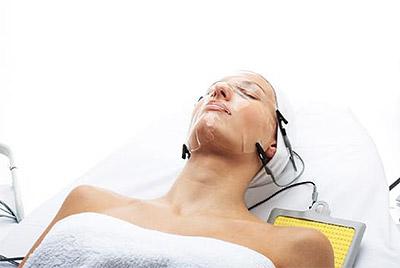 процедура на аппарате Accura - аппаратная косметология